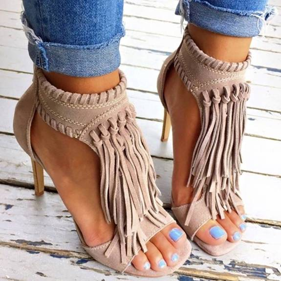 trend-fringed-heels-that-are-great-for-warm-days-that-come