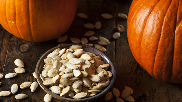 not-eat-unhealthy-snacks-eat-pumpkin-seeds